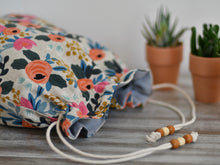 Load image into Gallery viewer, Flowers / Hand made project bag (4335009726498)