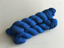 Load image into Gallery viewer, Clair de lune.  Fingering 100% Merino SW (4333274595362)