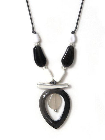 Envy Short Resin Necklace Grey