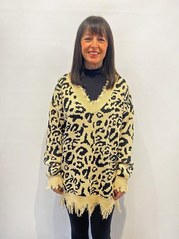 V-Neck Raw Hem Leopard Print Knit