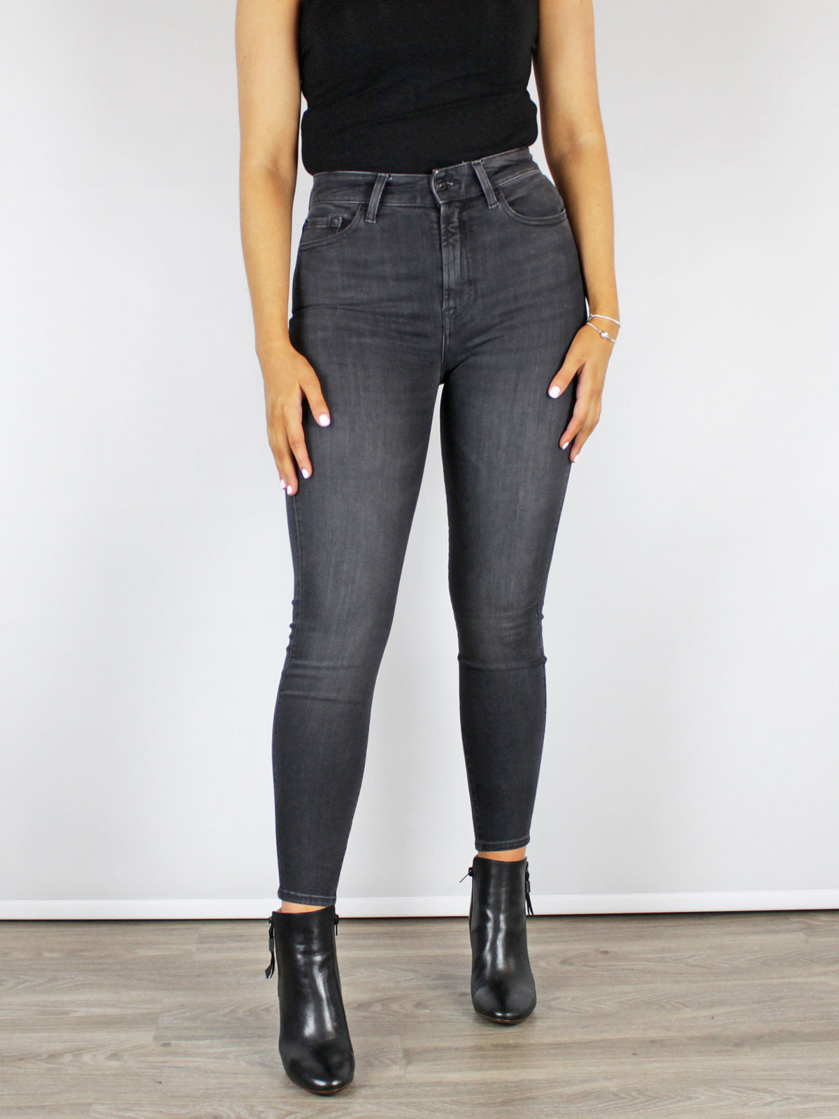 7 For All Mankind Aubrey Skinny Jeans Grey