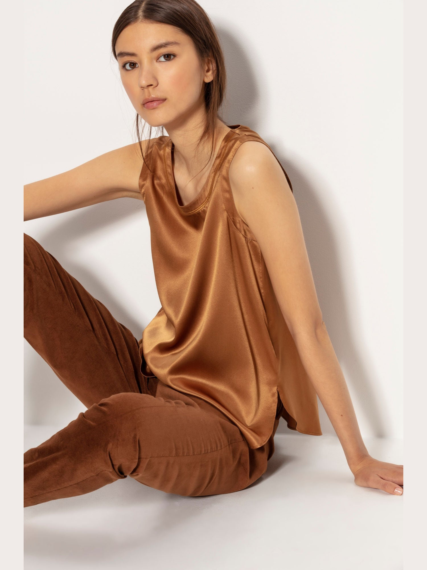 Luisa Cerano Silk Sleeveless Blouse Gold