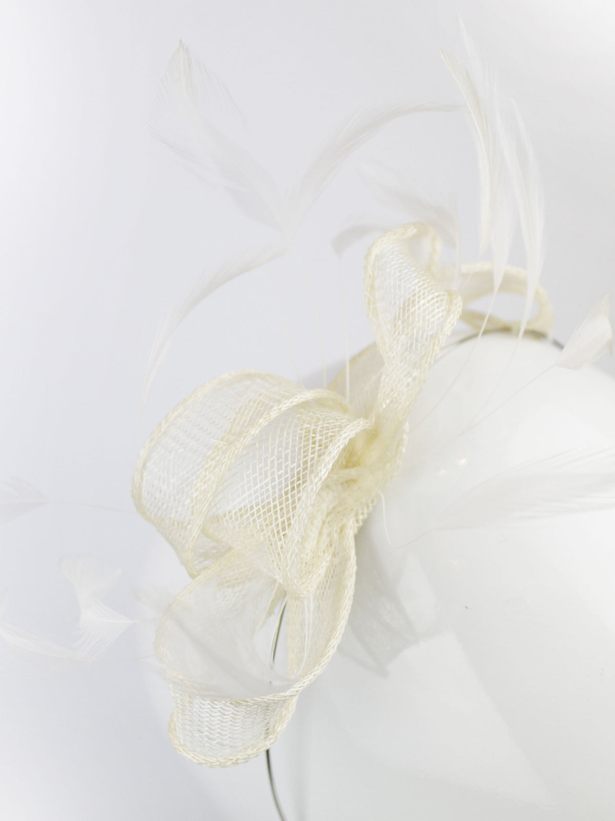 Max & Ellie Fascinator in Ivory