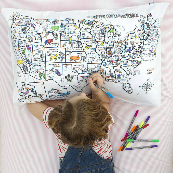 colour & learn US map pillowcase