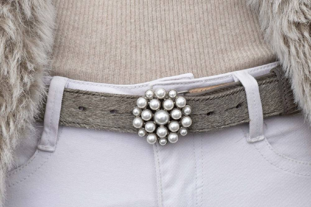 Pearl Waterlily Belt Buckle With Silver Housing (Fits: 30mm Belt)