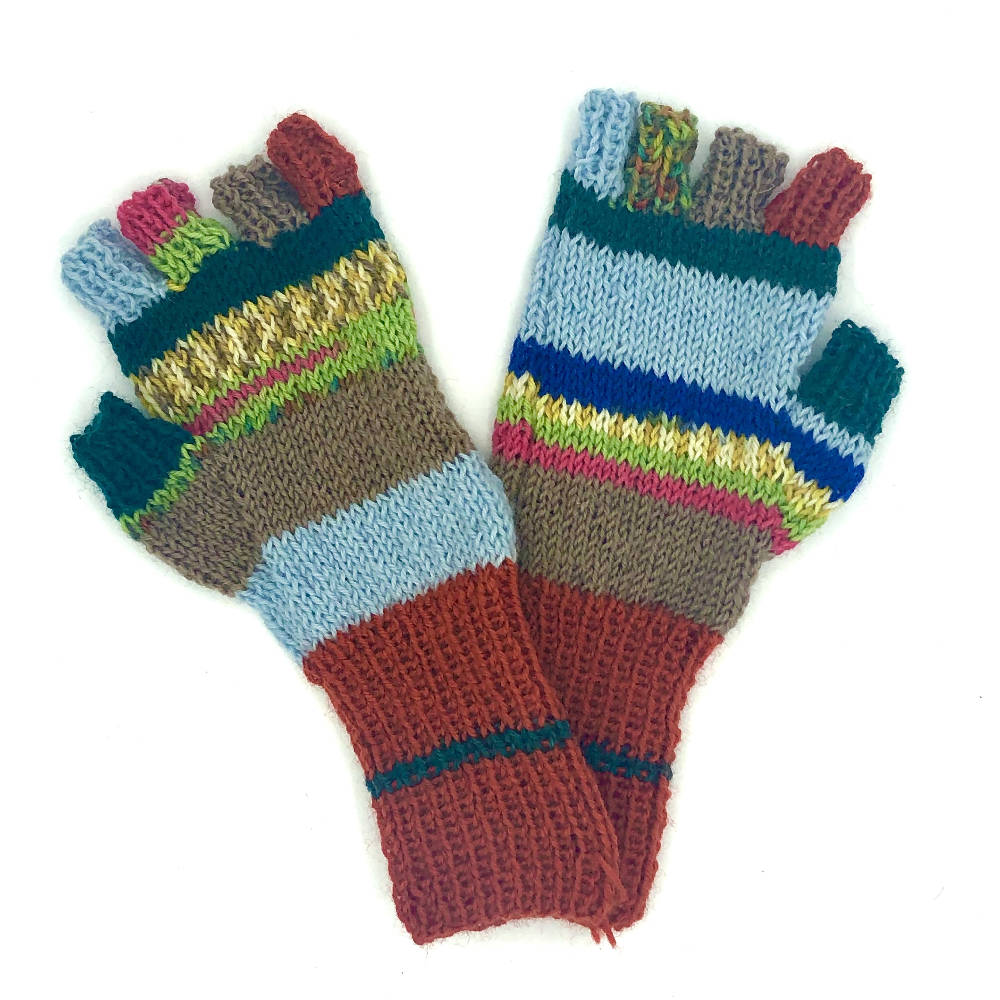 patterned fingerless gloves