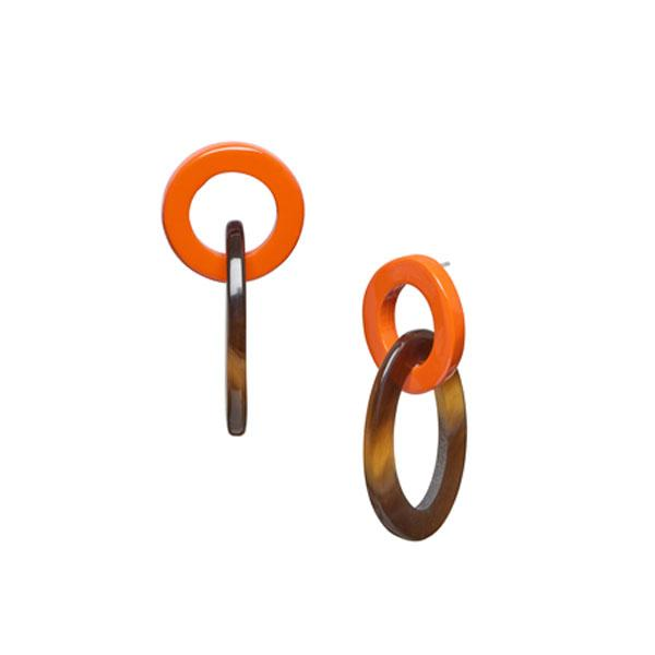 Small oval buffalo horn link earring –  Orange