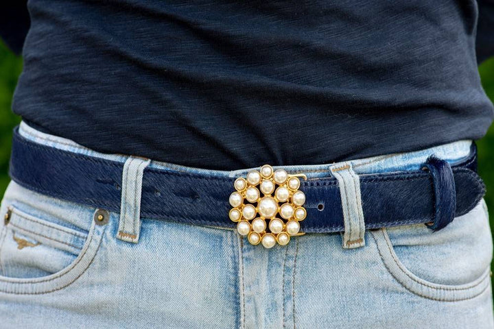 Pearl Waterlily Belt Buckle With Gold Housing (Fits: 30mm Belt)