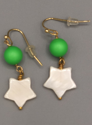 Green Star Star Earrings