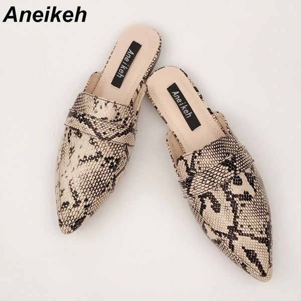 Aneikeh Pointed Toe Flats Mules