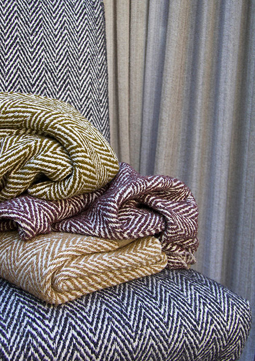 de Le Cuona welcomes Wool Week with its wide range of wool fabrics.