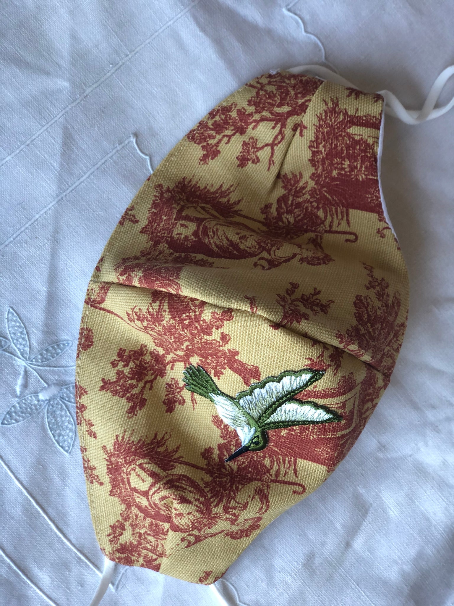 Red ochre French toile/small hummingbird