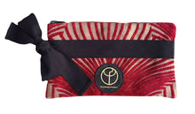 Laden Sie das Bild in den Galerie-Viewer, Claudia Fürst • Clutch Bag • Broadway