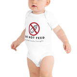Do Not feed. My Dad Cooks Tonight ! T-Shirt, Bodysuit