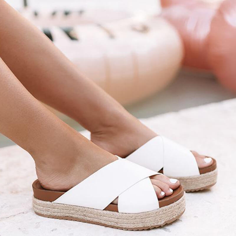 Women Large Size Animal Pattern Cross-Strap Muffin Sandals