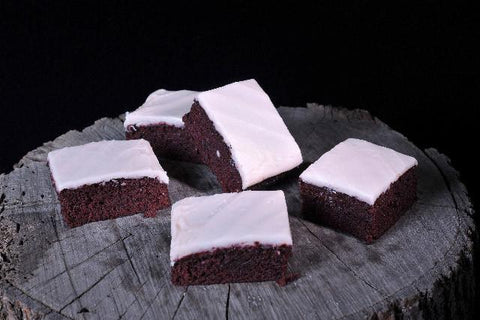 36 x Boston Bakehouse Red Velvet Slice