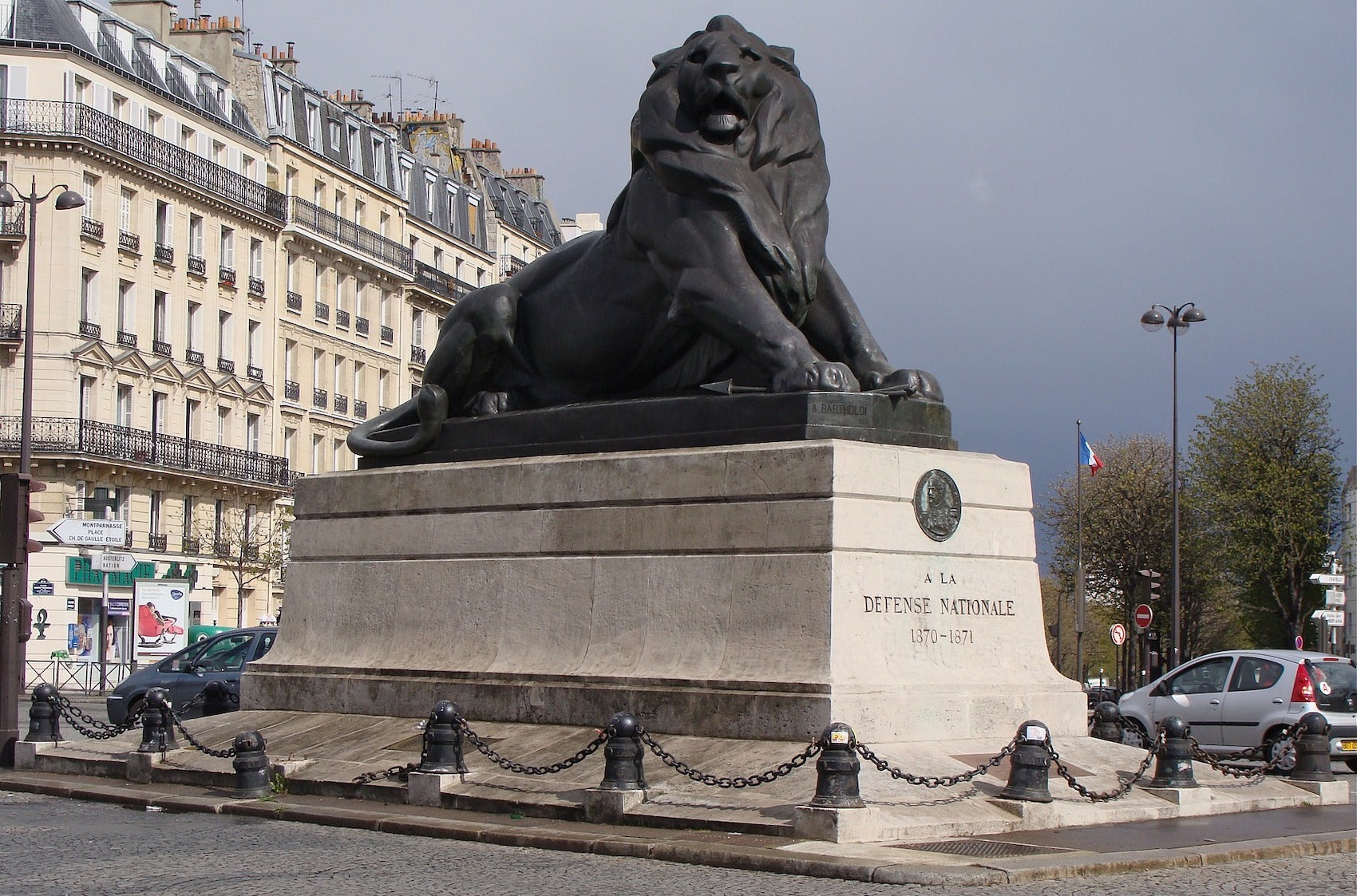 Statue Lion sur la place Denfert-Richereau à Paris
