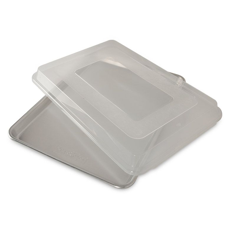 NordicWare - Naturals® Baker's Half Sheet with Lid