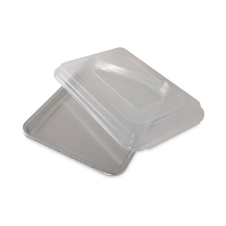 NordicWare - Naturals® Baker's Quarter Sheet with Lid