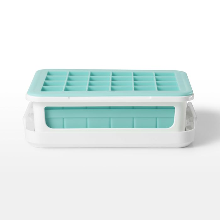 OXO - Covered Silicone Ice Cube Tray, Cocktail Cubes