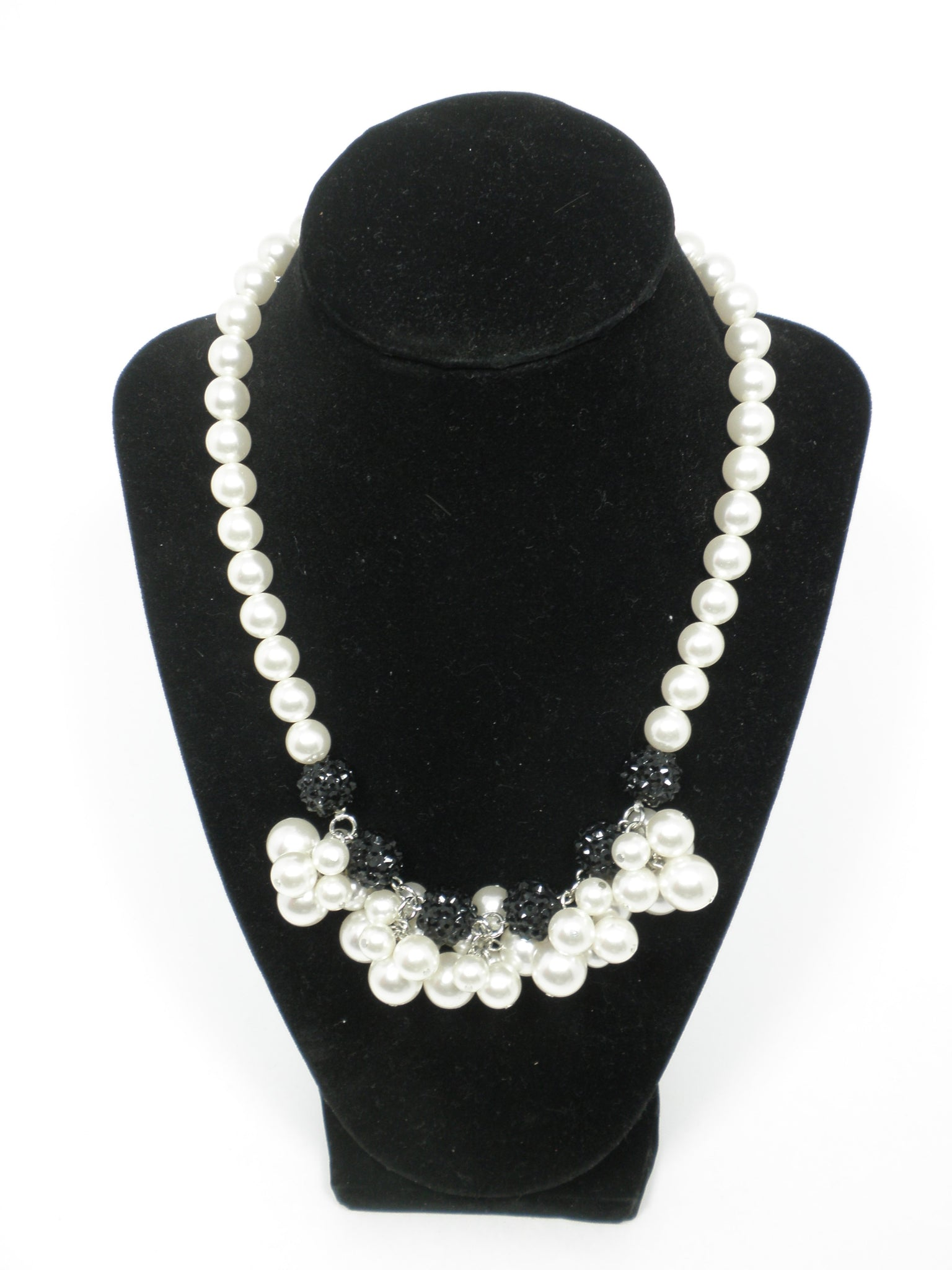 Chunky Black and White Pearl Necklace - The Fashion Foundation