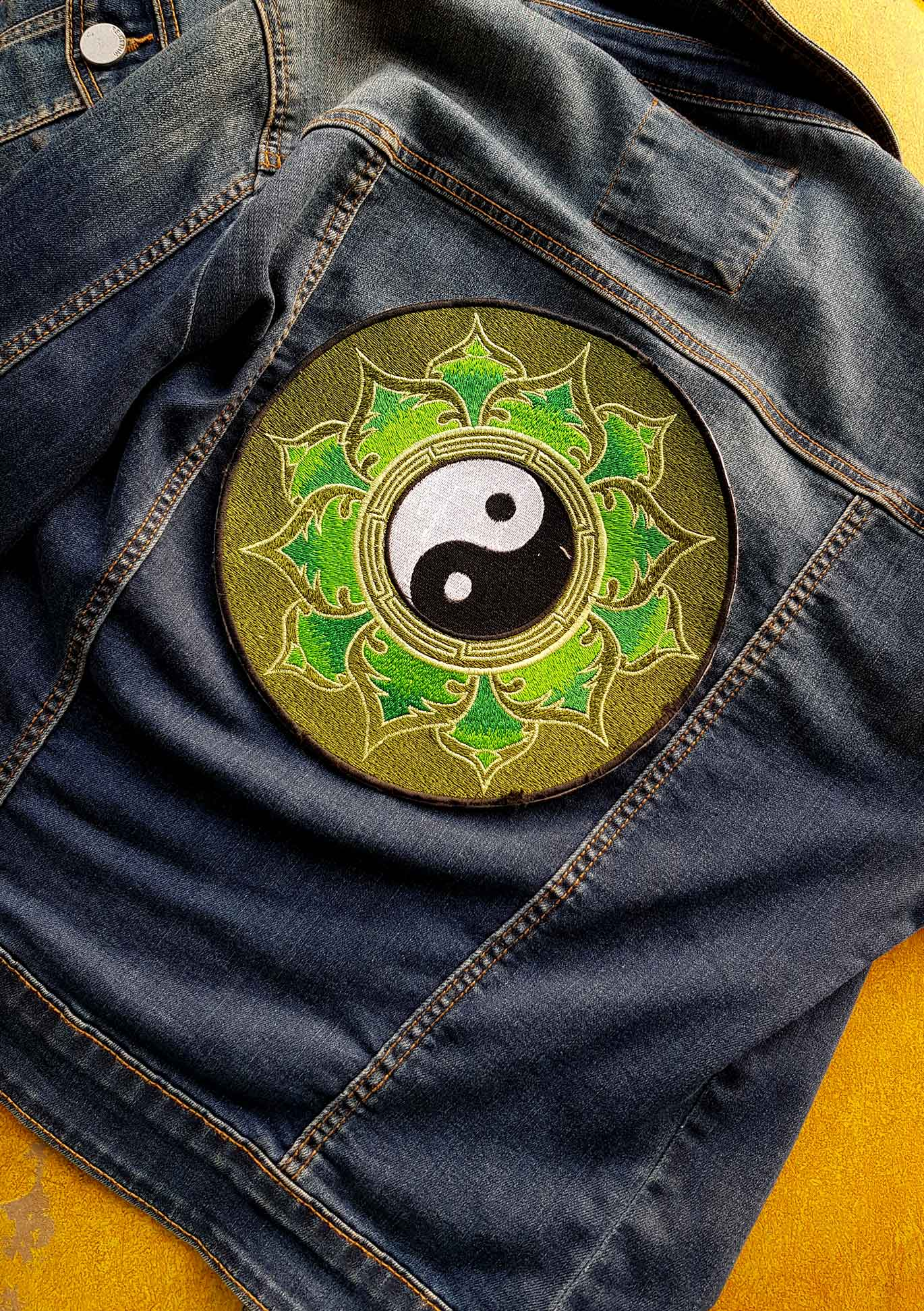Green Yin & Yang Round Embroidered Patch