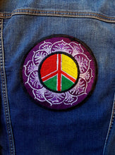 Load image into Gallery viewer, Peace Round Embroidered Patch