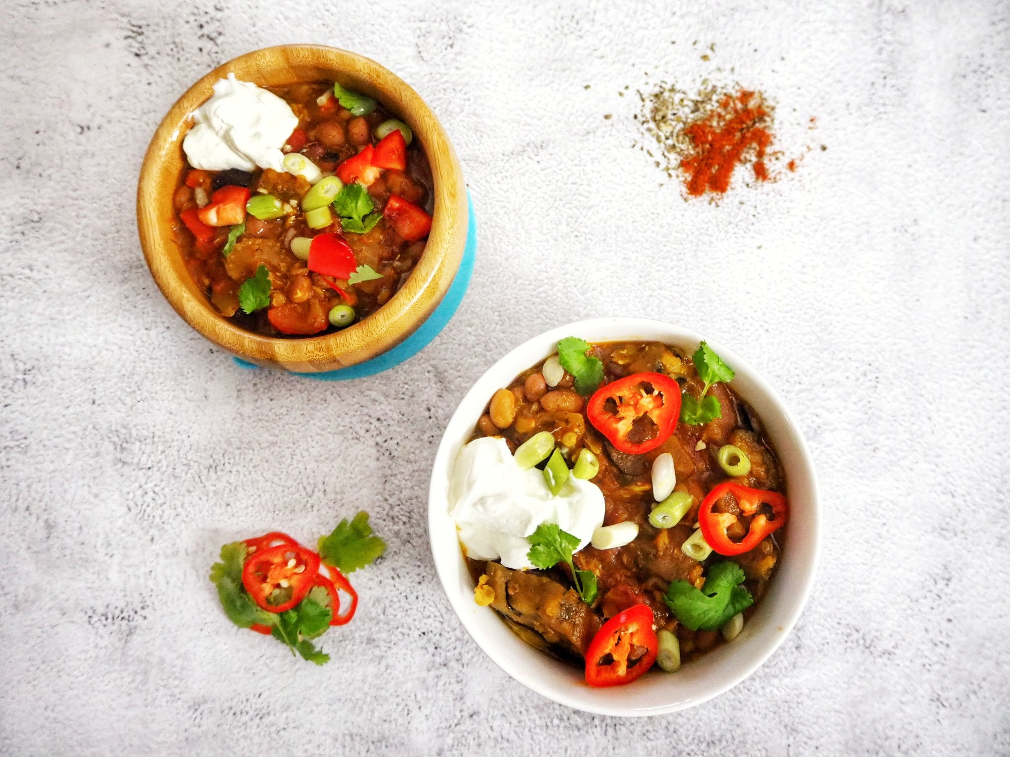 Aubergine and Red Pepper Chilli by The Mummy Diet