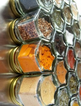 Hexagonal Magnetic Spice Jars with choice of spice - Spice Kitchen UK - Spices, Spice Blends, Gifts & Cookware - 1