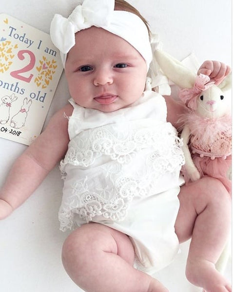white baby headband, white top knot baby headband, white baby hair band, baby headbands, baby hair bands, baby bows, baby hair bows, uk, ireland