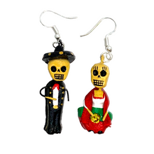 Load image into Gallery viewer, Handmade Earrings - Pareja Folklore