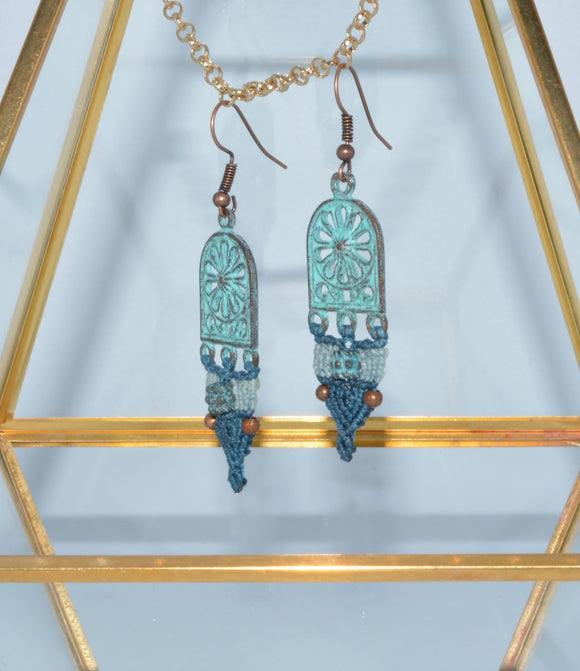 JEWELERY, EARRINGS in Micro Macramé, blue, Louise Tremblay
