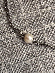 CHAIN WITH WHITE PEARL IN SOLITAIRE - Céline Larivière
