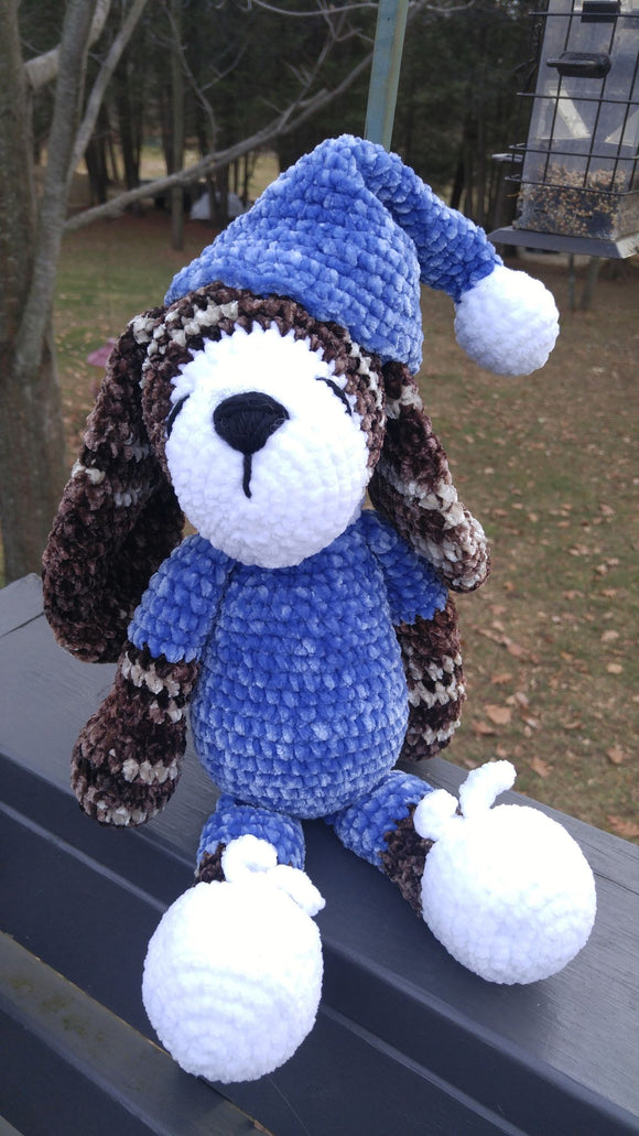 KNITTED TOYS - BLUE SLEEPING DOG, Yolande Fournier (introductory price)