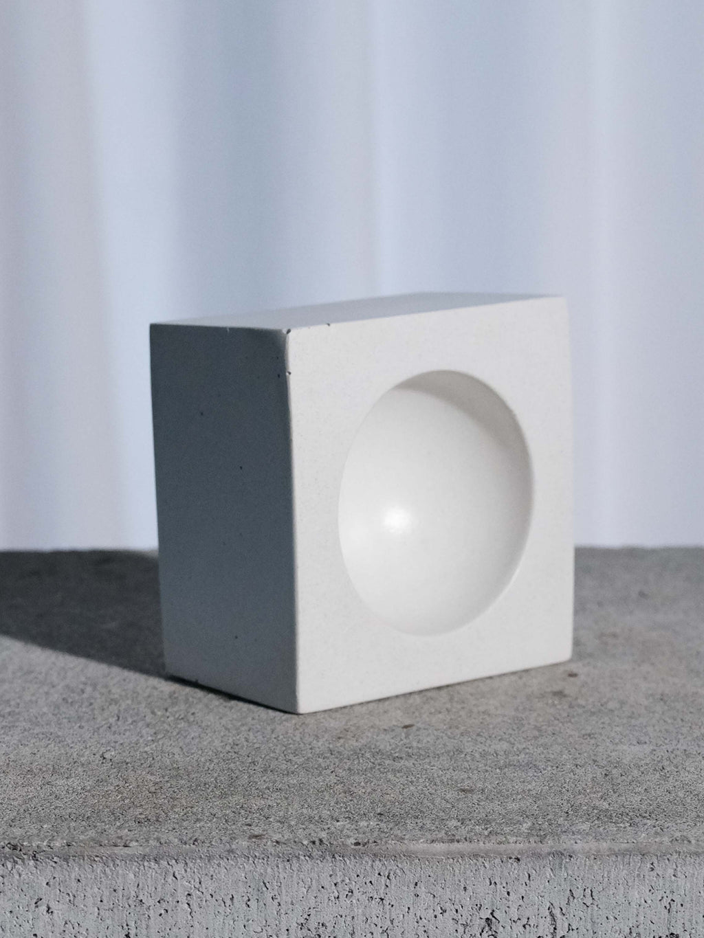 INSEK DESIGN WHITE CONCRETE ORB BOWL