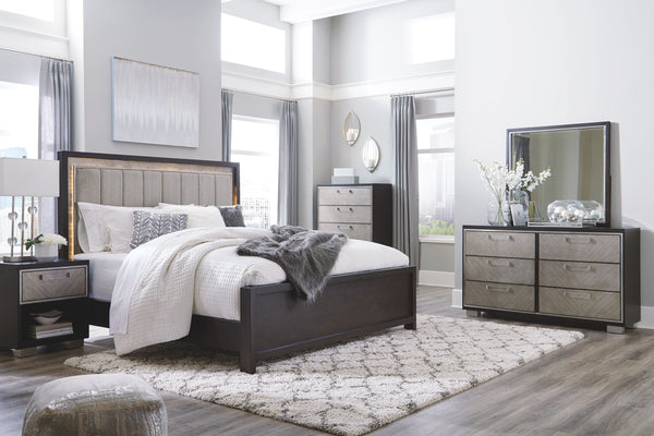 Maretto - Two-tone - 5 Pc. - Dresser, Mirror & California King UPH Panel Bed