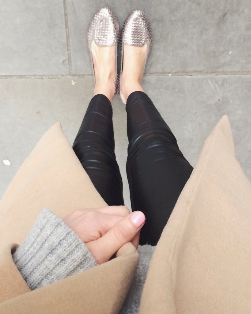 Fashion Blogger Chrissabella Cocoroses It in her Clapham foldable loafers