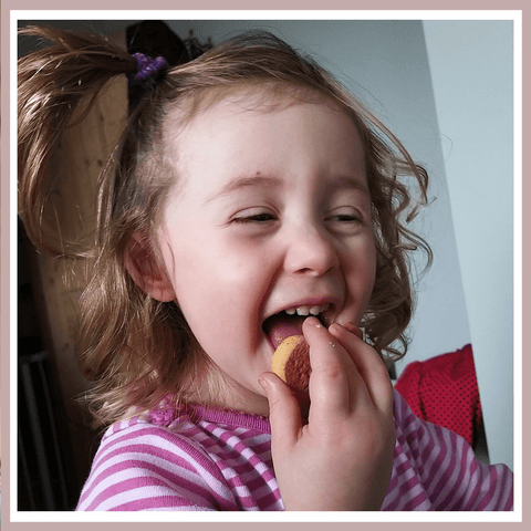 Elin - Simple Things in Life - Home Baked and Iced Cookies