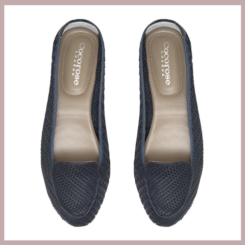 Navy loafers. The perfect flats for that nautical feeling.