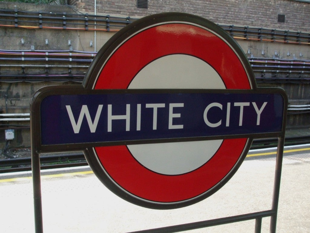 White_City_stn_roundel