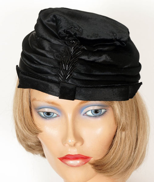 Vintage 1950s Black Panne Velvet Hat Amy New York  S / M - Poppy's Vintage Clothing