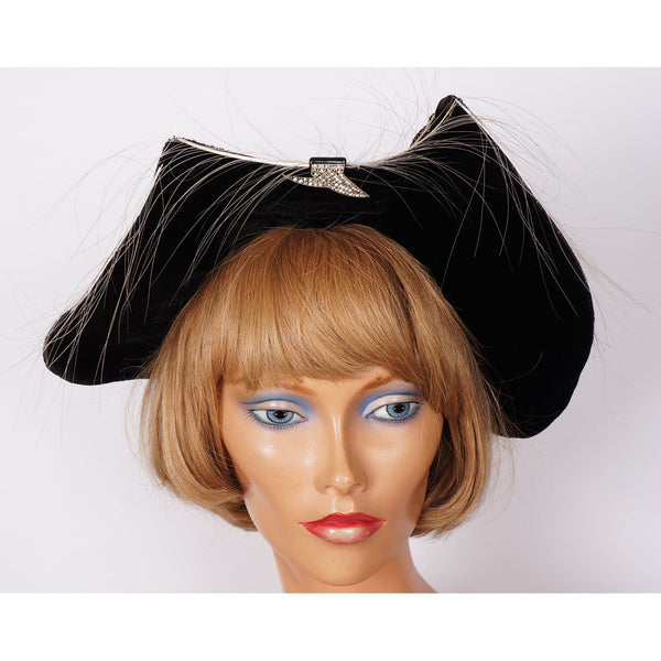 Vintage-1940s-Short-Back-Sailor-Hat-Batwing-Brim-Front