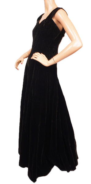 1930s Molyneux Black Velvet Evening Gown Side View
