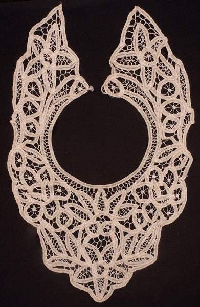 Vintage Battenburg Tape Lace Collar Neck Bib - Poppy's Vintage Clothing