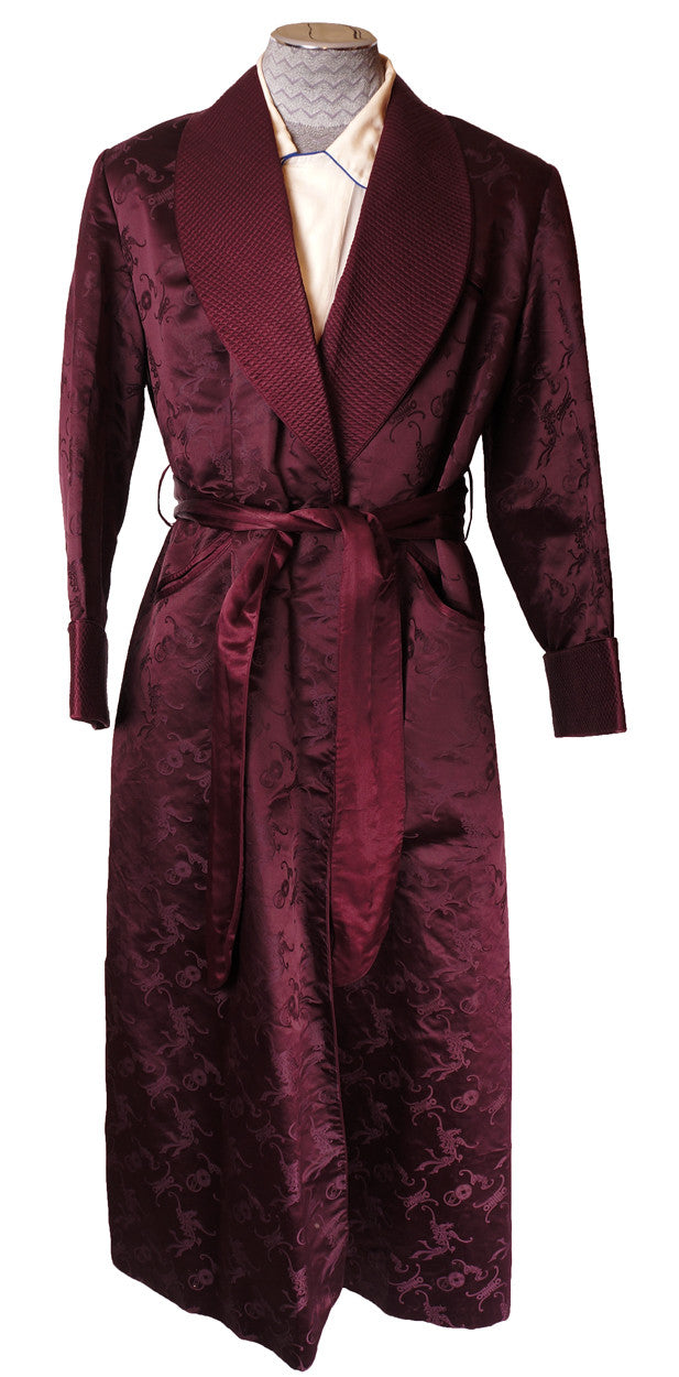 Silk Dressing Gowns from Lloyd Attree and Smith - established in London in Generations of experience have gone into the making of these fine silk gowns, so you can enjoy the Luxury of a % twill silk gown adorned with exquisite and classic prints at a down to earth price!