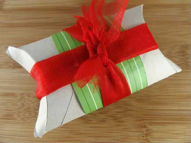 Upcycled toilet paper roll gift boxes