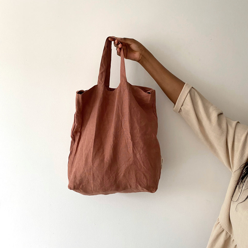 Baya chestnut linen shopper
