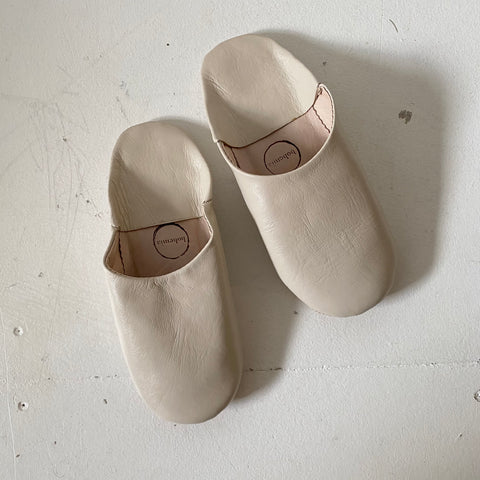 Chalk babouche leather slippers