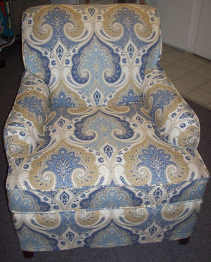 Patterned chair with piping and no skirt