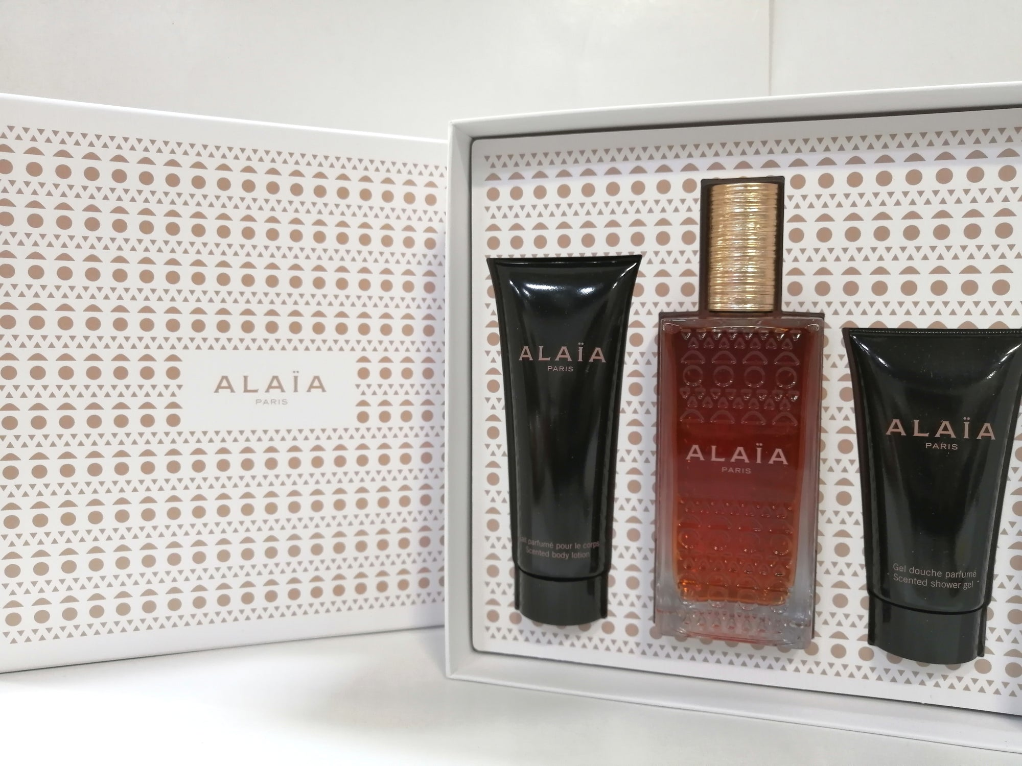 Alaia Paris Blanche 3pc Set 100ml EDP (w/Body Lotion & Shower Gel) for Women